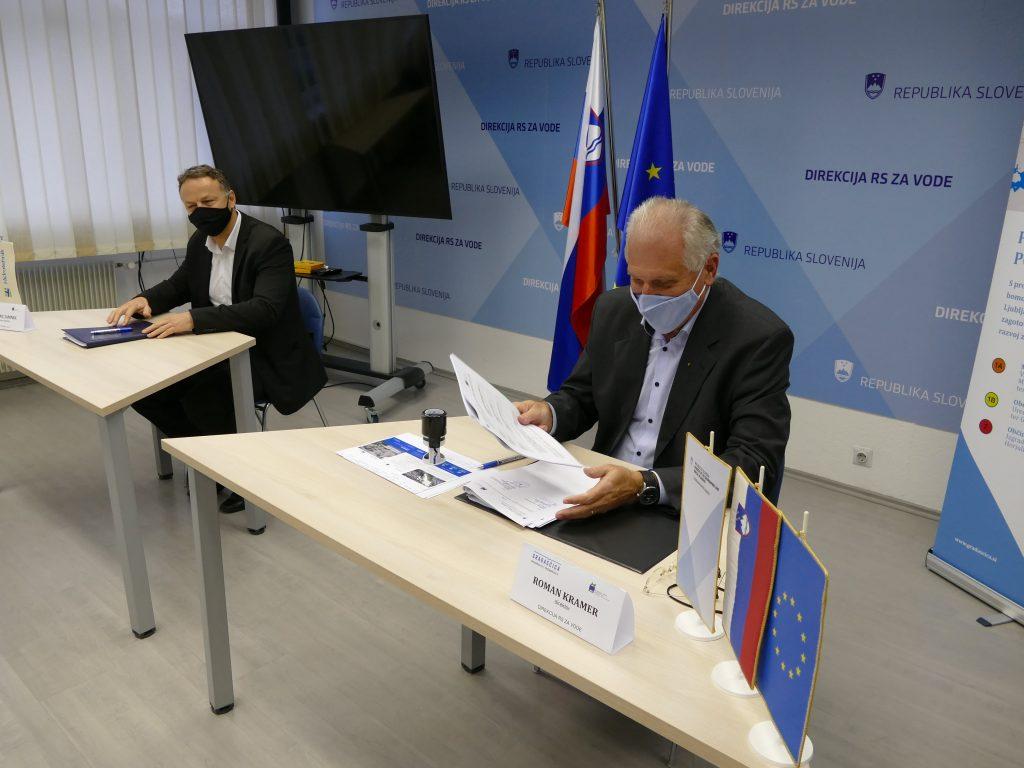 Podpis Gradaščica Levo Vincenc Jamnik Desno Roman Kramer Arhiv DRSV 002